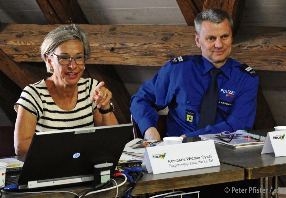 Regierungsrätin Rosmarie Widmer Gysel verteidigt sich und den Polizeikommandanten Kurt Blöchlinger gegen den Vorwurf der Vetternwirtschaft. Foto: Peter Pfister