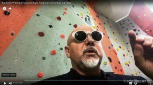 Gestatten: Professor Doktor Peter Karl Fischer. Videostill: Youtube