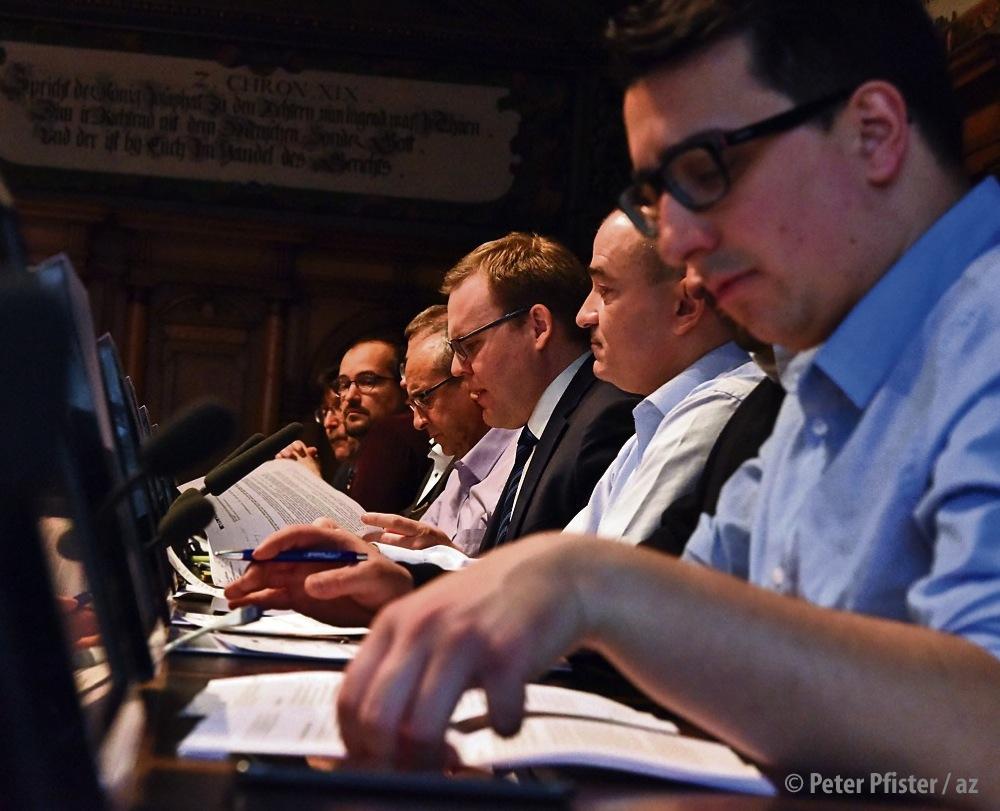 Die GPK unter ihrem Präsidenten Marcel Montanari (5. von links) will künftig besser informiert werden. Foto: Peter Pfister