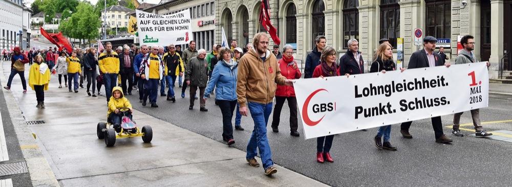 Rund 600 Personen nahmen an der diesjährigen 1. Mai-Kundgebung teil. Foto: Peter Pfister