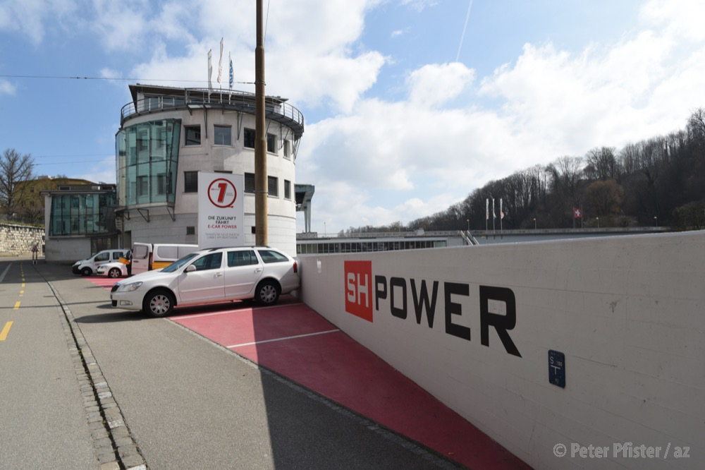 SH Power soll in Zukunft nur noch ökologischen Strom aus erneuerbaren Energien anbieten, fordert das Stadtparlament.