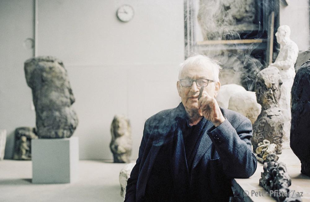 Ohne Zigarre war Hans Josephsohn selten anzutreffen.