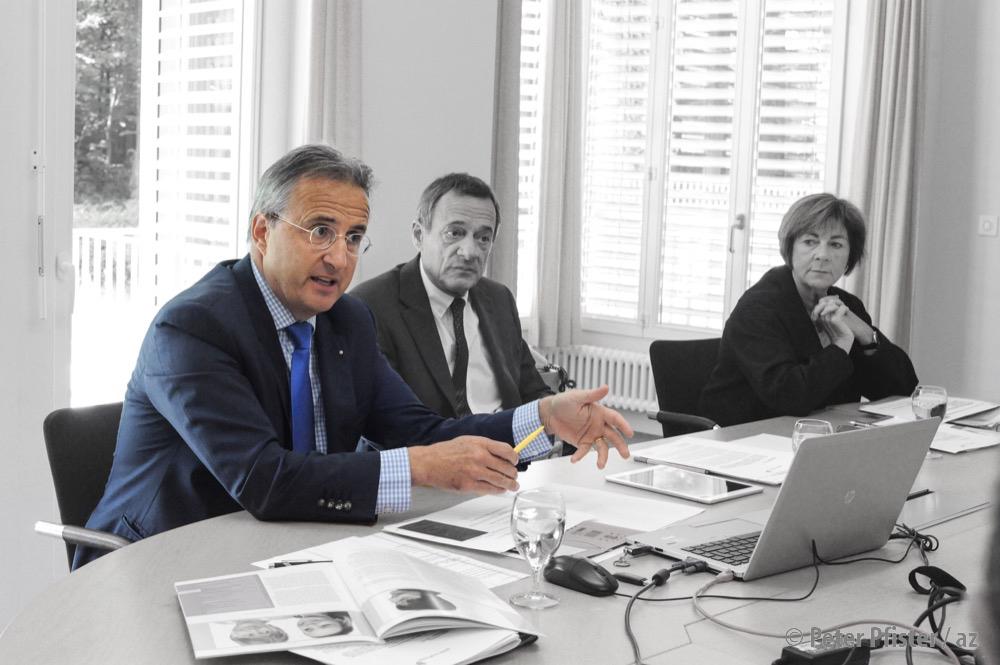 Spitalratspräsident Rolf Leutert 2015 mit dem damaligen Spitaldirektor Hanspeter Meister und Gesundheitsdirektorin Ursula Hafner.